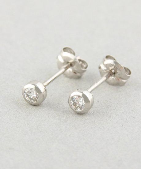 PT900 ダイヤモンド 0.1ct ピアス「ブライト」の写真